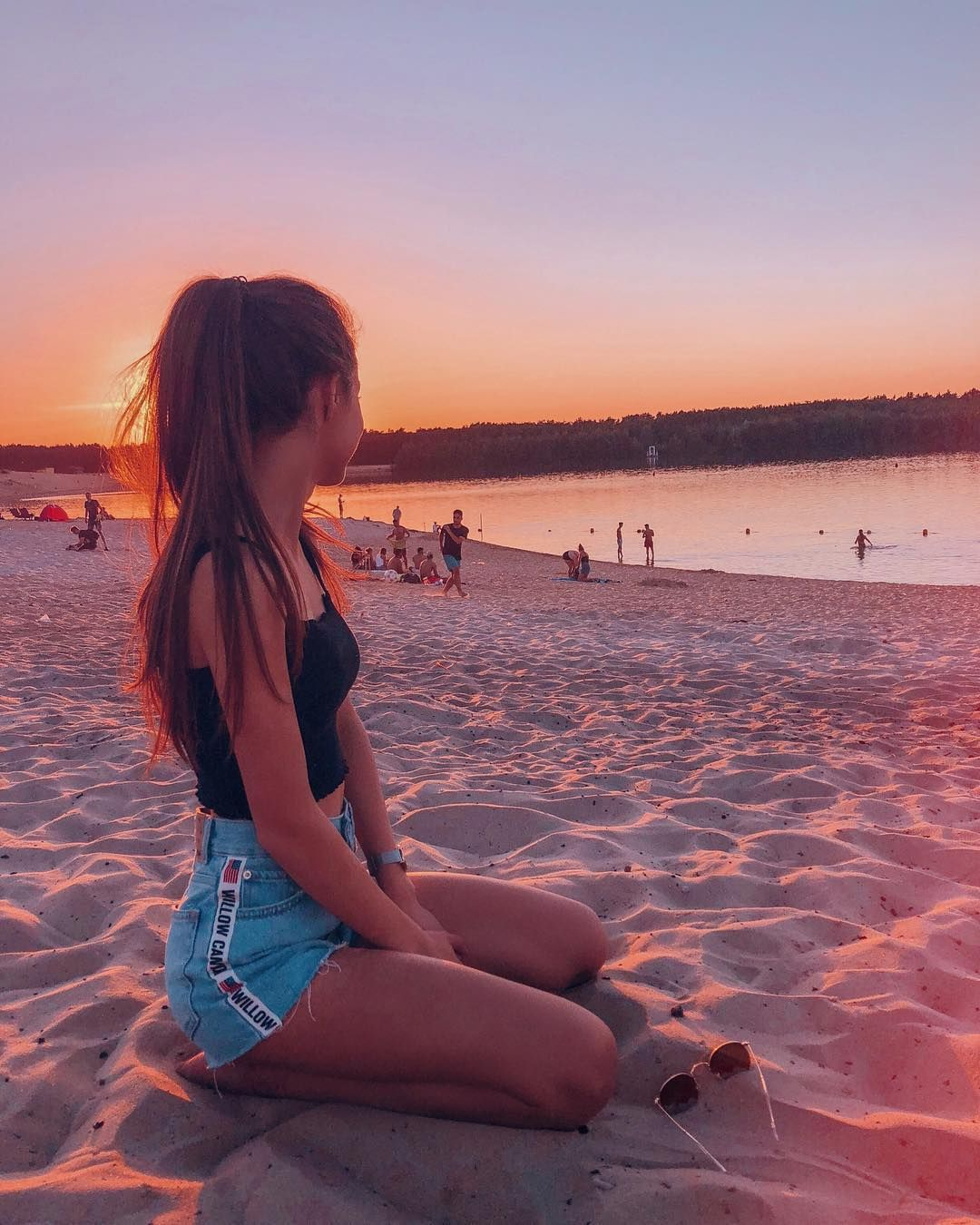 Catching Sunsets With You Americanstyle Hairsandstyles Ootdmagazine Ootd Beach Sunset Summeringermany Instagram Pose Beach Photography Beach Photoshoot