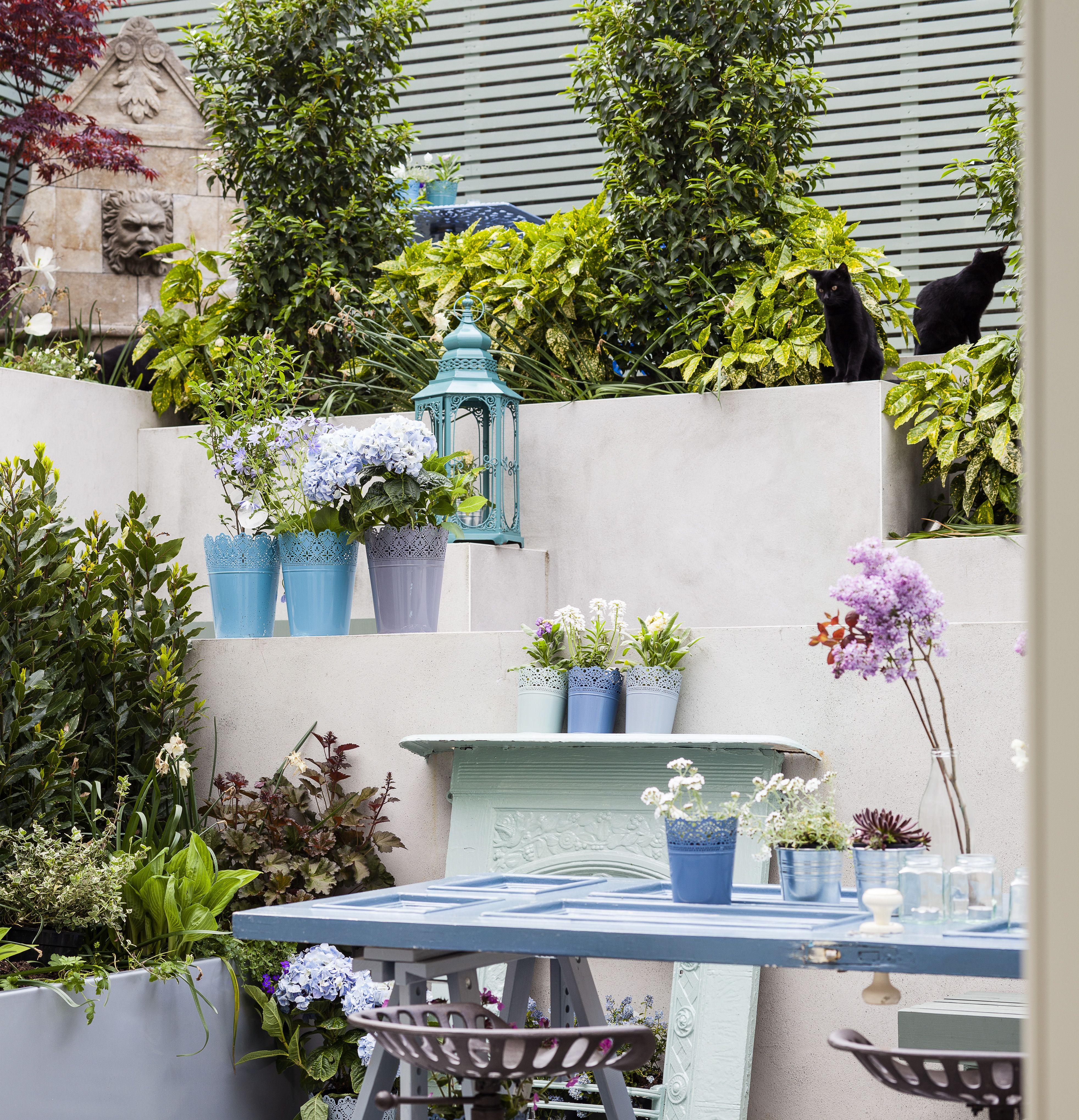 Tiered Contemporary Urban Garden: Modern, Minimal Tiered Geometric Garden Design With