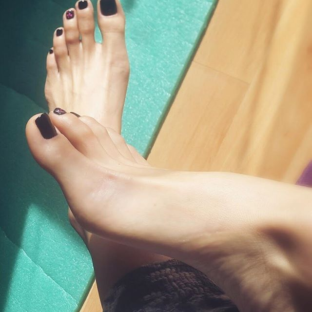 Black foot fetish pictures