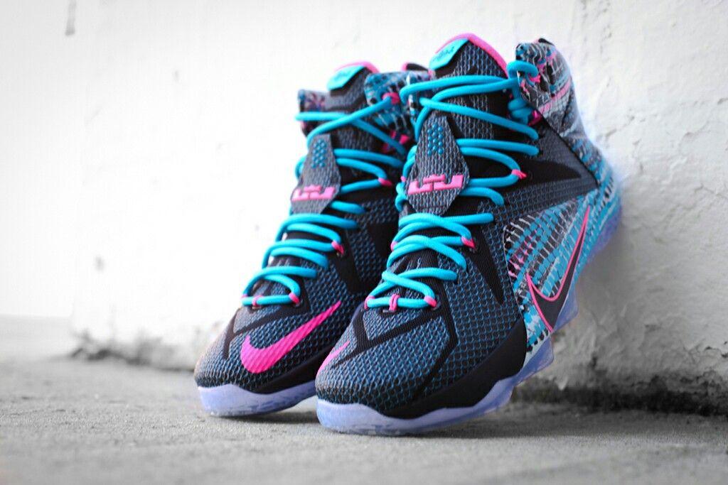 innovative design bc92e 1a793 ... Nike Lebron 12 Home Lebron 12 Chromosomes Elite Socks ...