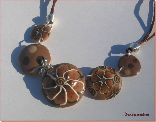 Flower necklace brown 005