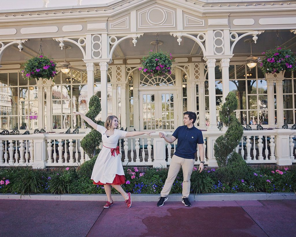 Disney Engagement Photo Session of Andres and Jackie (@irl_rapunzel on Instagram). Photography by Blair Bush Weddings.