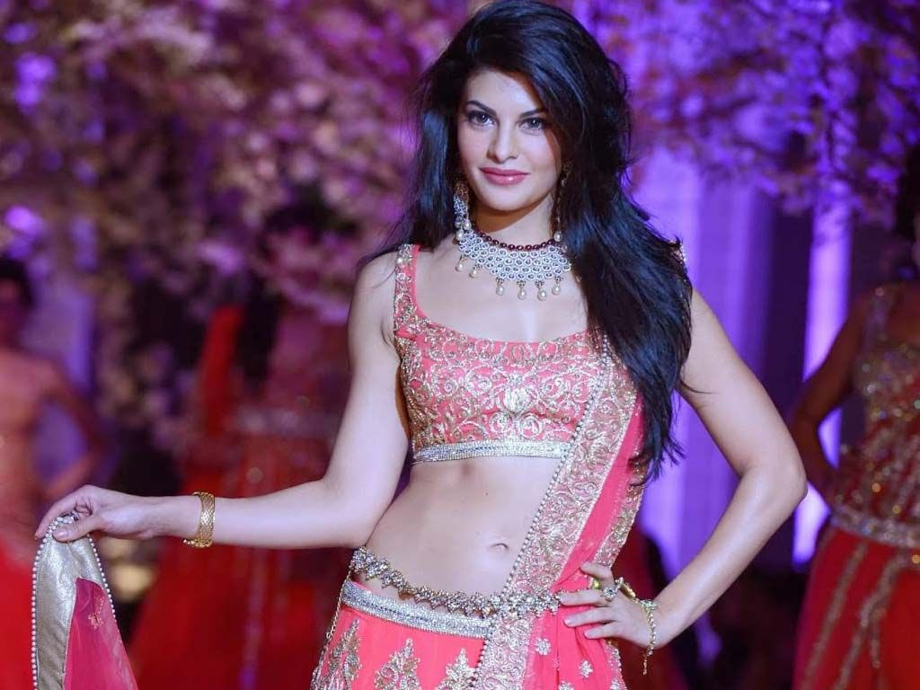 watch and download bollywood actress jacqueline fernandez hd hq wallpapers jacqueline fernandez hot wallpaper jacqueline fernandez fashion show images fashion jacqueline fernandez