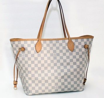 488abbf023e7 LOUIS VUITTON Neverfull Mm DAMIER AZUR WHITE CHECKERED Tote Bag. Get one of  the hottest styles of the season! The LOUIS VUITTON Neverfull Mm DAMIER  AZUR ...