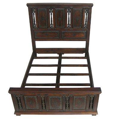 MOTI Furniture Babylon Platform Bed Size: California King