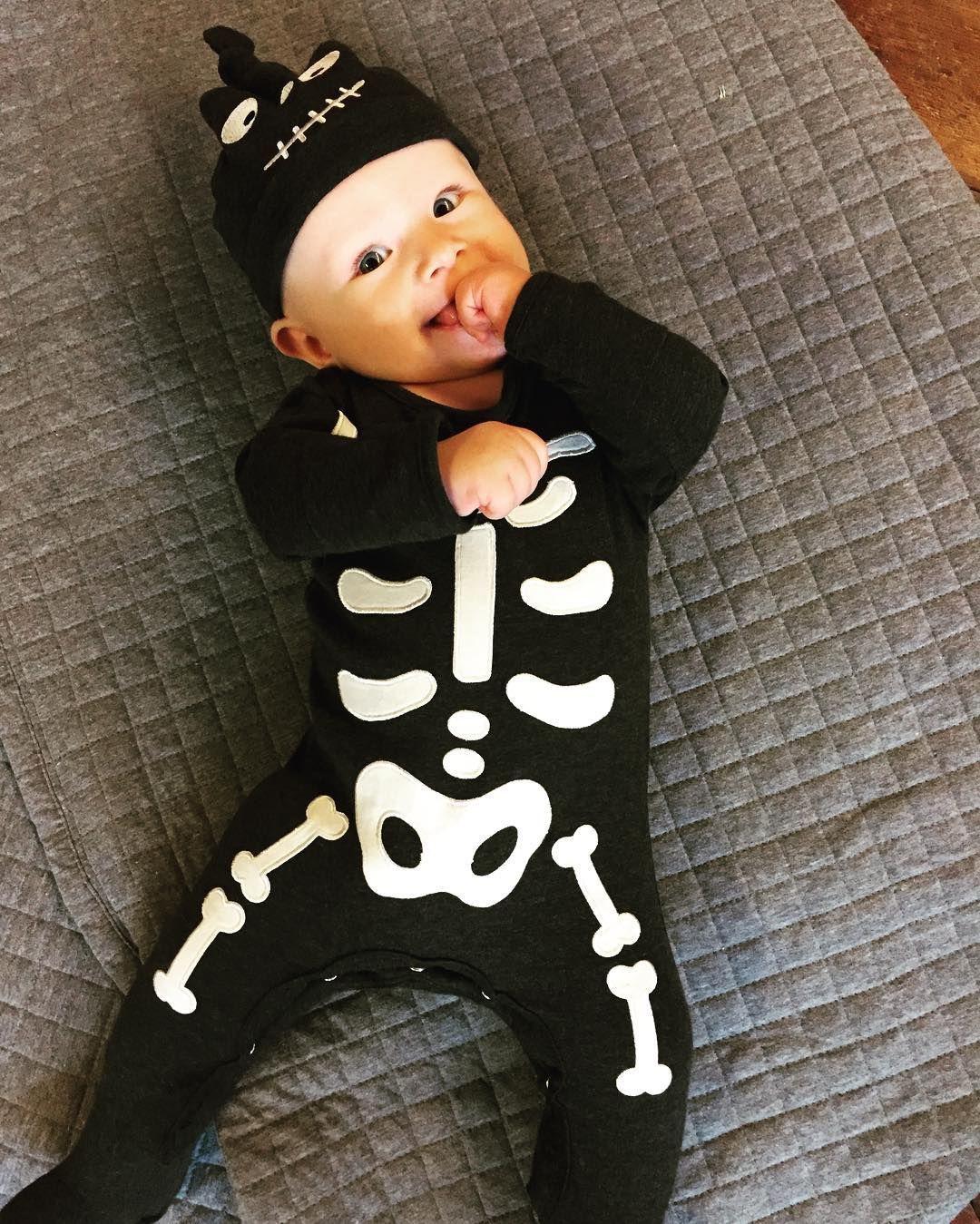 25 Ideas De Disfraces Para Que Tu Bebé Luzca Terriblemente Encantador En Halloween Disfraz Bebe Disfraces Disfraces Halloween Bebes