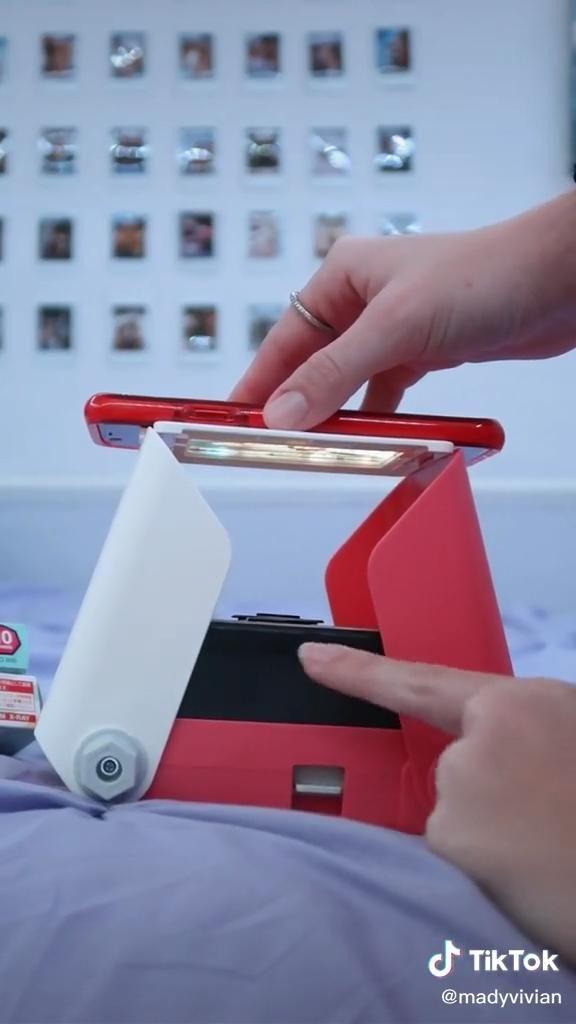 Mady Vivian🌻(@madyvivian) on TikTok: how to turn photos in your camera roll into cute polaroids!!