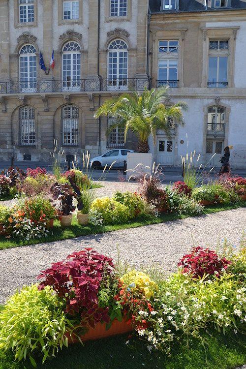 Livre Sur La Place 2015 Ville De Nancy Nancy Et Villa