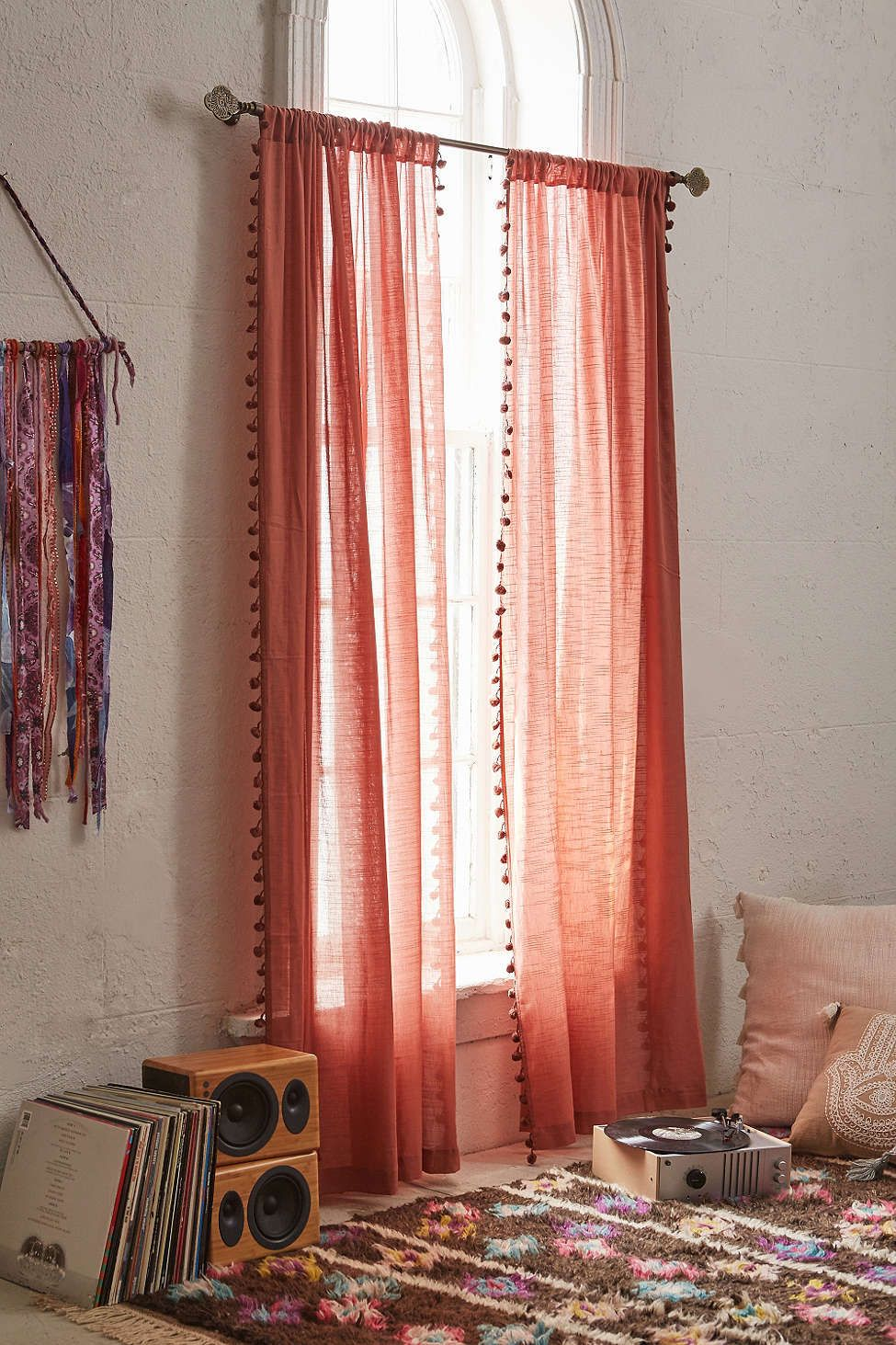 Rideau pompons home inspiration - Rideau rose pastel ...