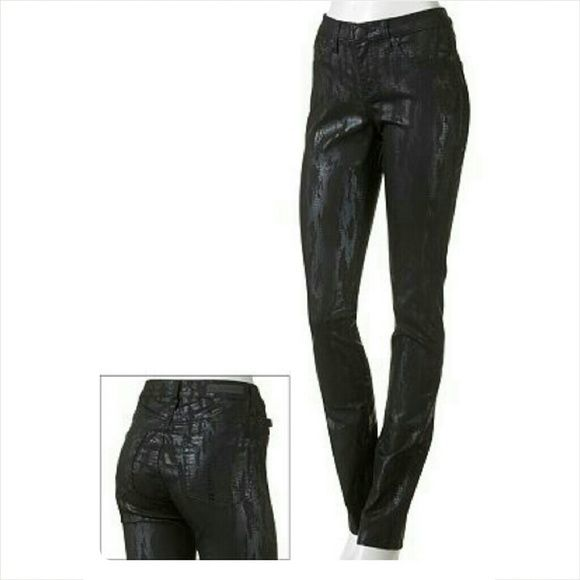 #RockandRepublic #Jeans #Berlin #Snakskin #Foil #SkinnyJeans #forsale #poshmark #poshstyle #angiesfinds