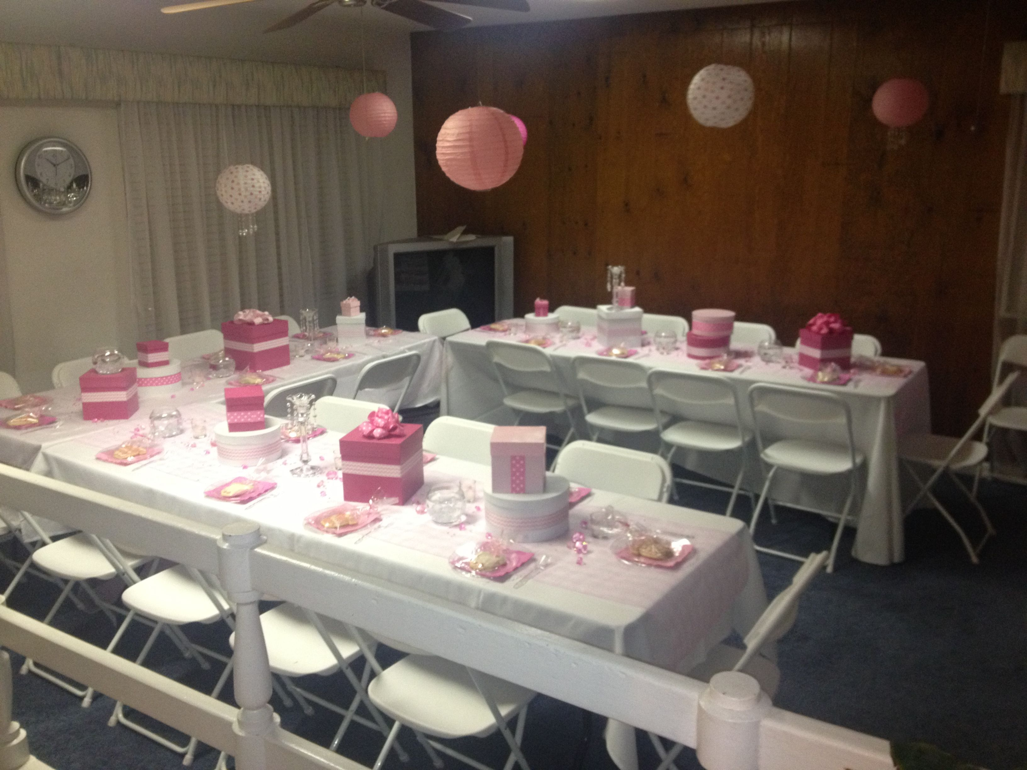 Girl baby shower set up baby shower tables pinterest Baby shower table setting