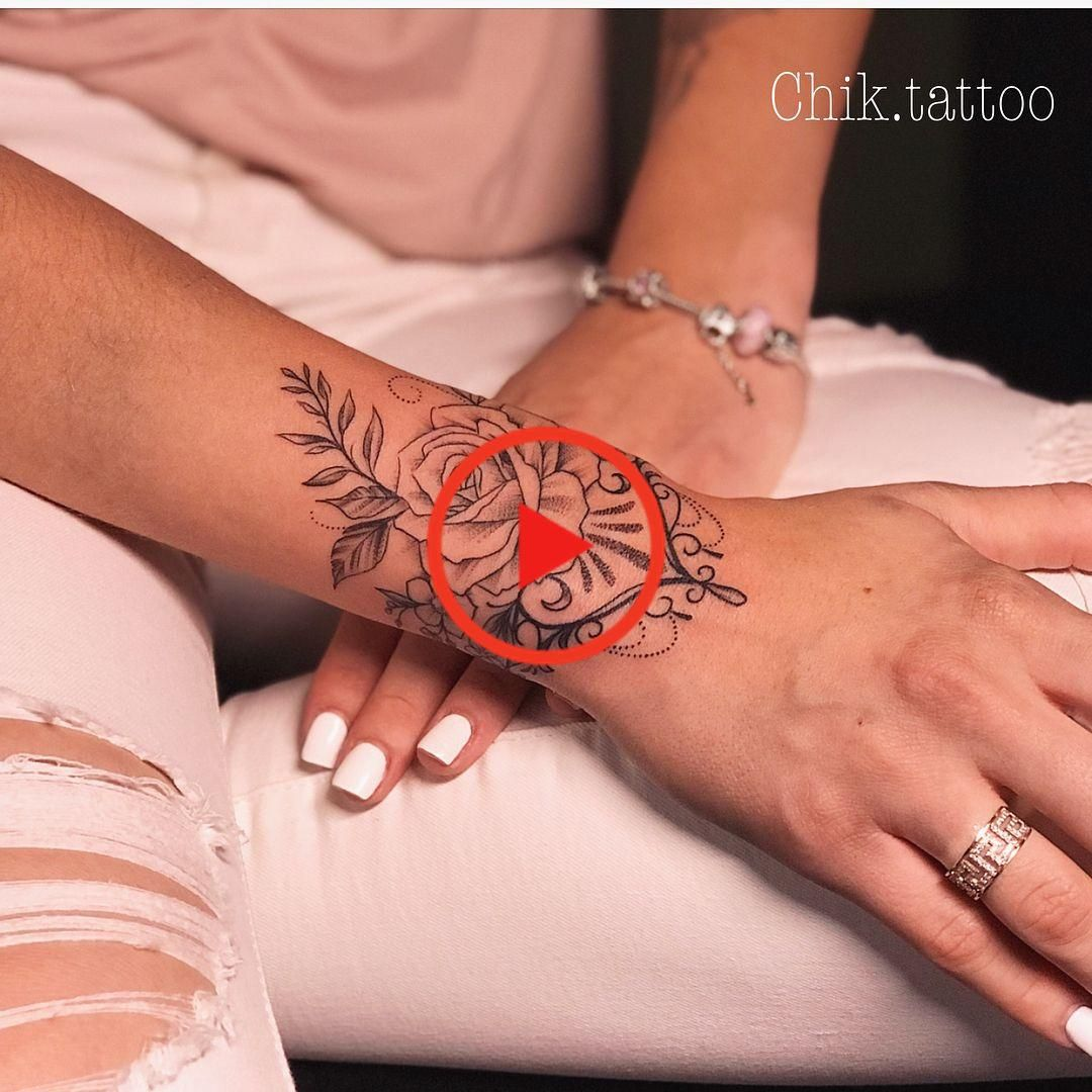 #girlswithtattoos #tattoos #tattooedgirls #mandalatattoo #mandala #tattooed #tattoolife #tattooartist # tattoogirls ... #Tattoo-Ideen #kleineTattoos