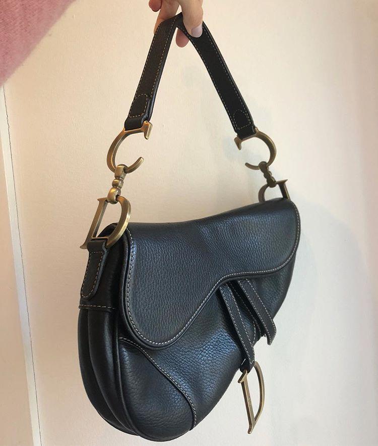 2412eea5f453 Christian Dior saddle bag. Pæn stand. Pris 4700kr