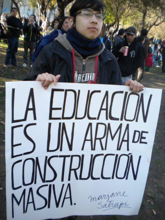 Education Is A Mass Construction Weapon - Activismo / Activism