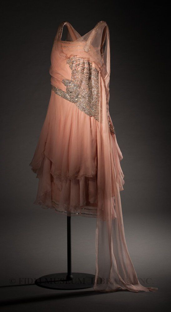 evening dress havet agn s paris france ca 1927 chiffon weighted with beads and sequins. Black Bedroom Furniture Sets. Home Design Ideas