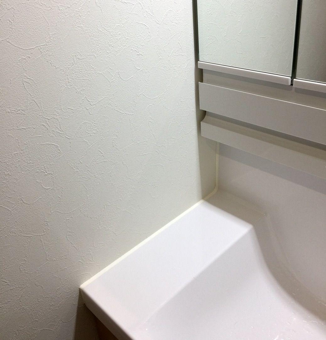 後悔ポイント 洗面台 シンプル トイレ 洗面台 現代的なバスルーム