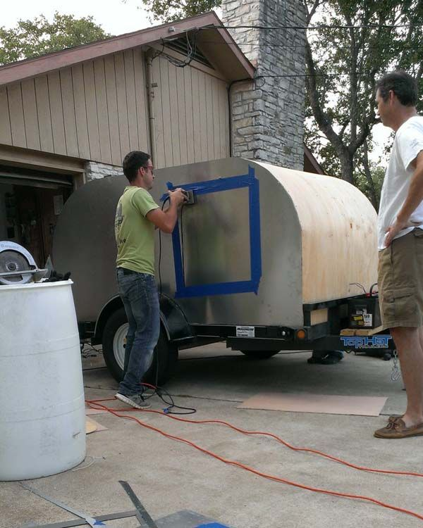 A Guy With No Experience Had A Crazy Idea And The Result Is Simply Brilliant Teardrop Trailer Campingideen Einfach