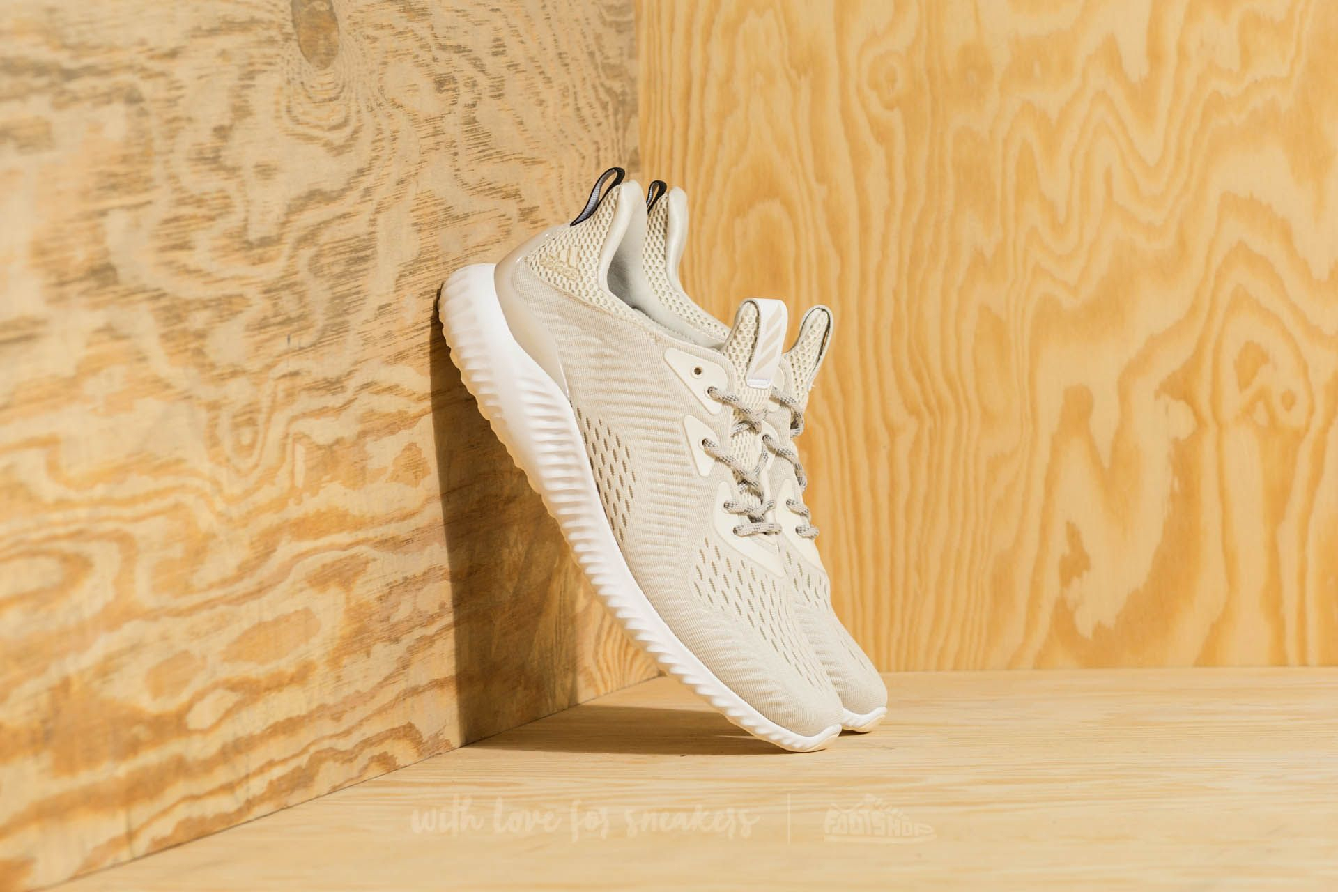 new product 72856 aaab8 adidas alphabounce em Chalk White Footwear White Talc at a great price 84  €