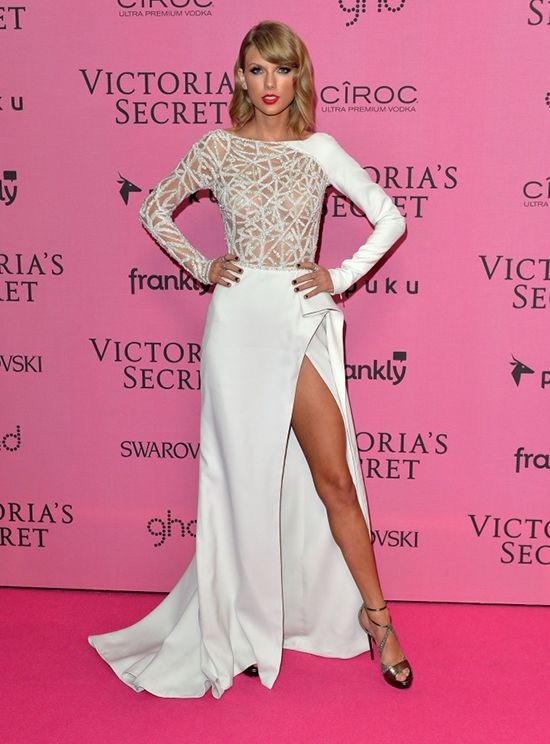 Taylor Swift | Zuhair Murad white dress | Mariage de Sali ...