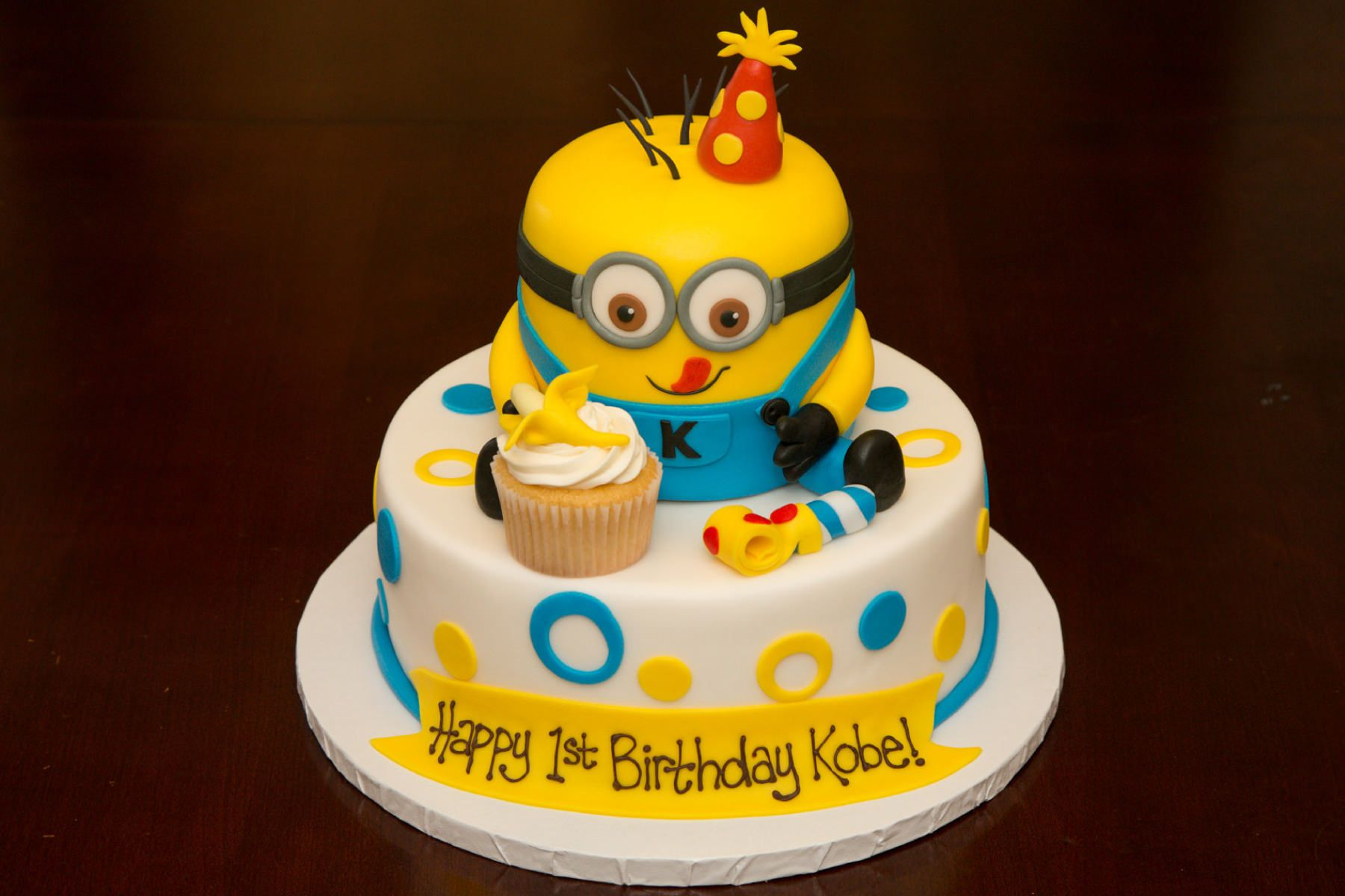 1st Birthday Minion Cake Custom Cakes Pinterest Birthday Cake