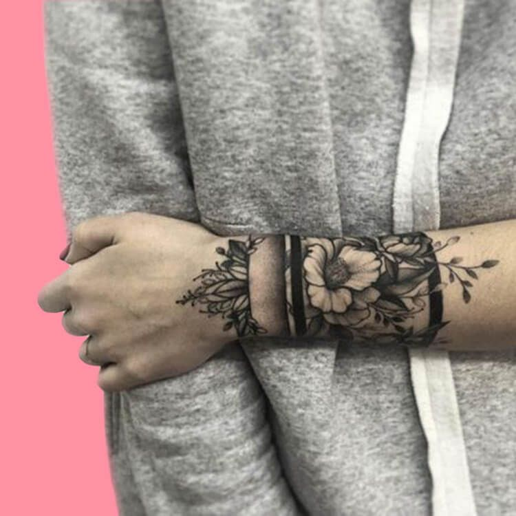 42 Mini Wrist Tattoo Designs to try in this Summer - Page 37 of 42 - ShowmyBeauty