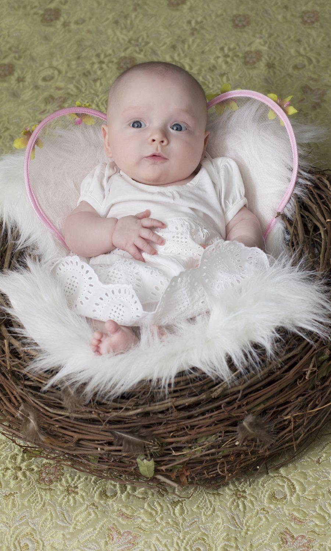 Little Angel...CUTE photo idea.