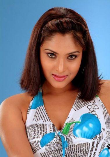Divya Spandana Tamil Nadu Medium Hairstyle South Indian Hairstyles