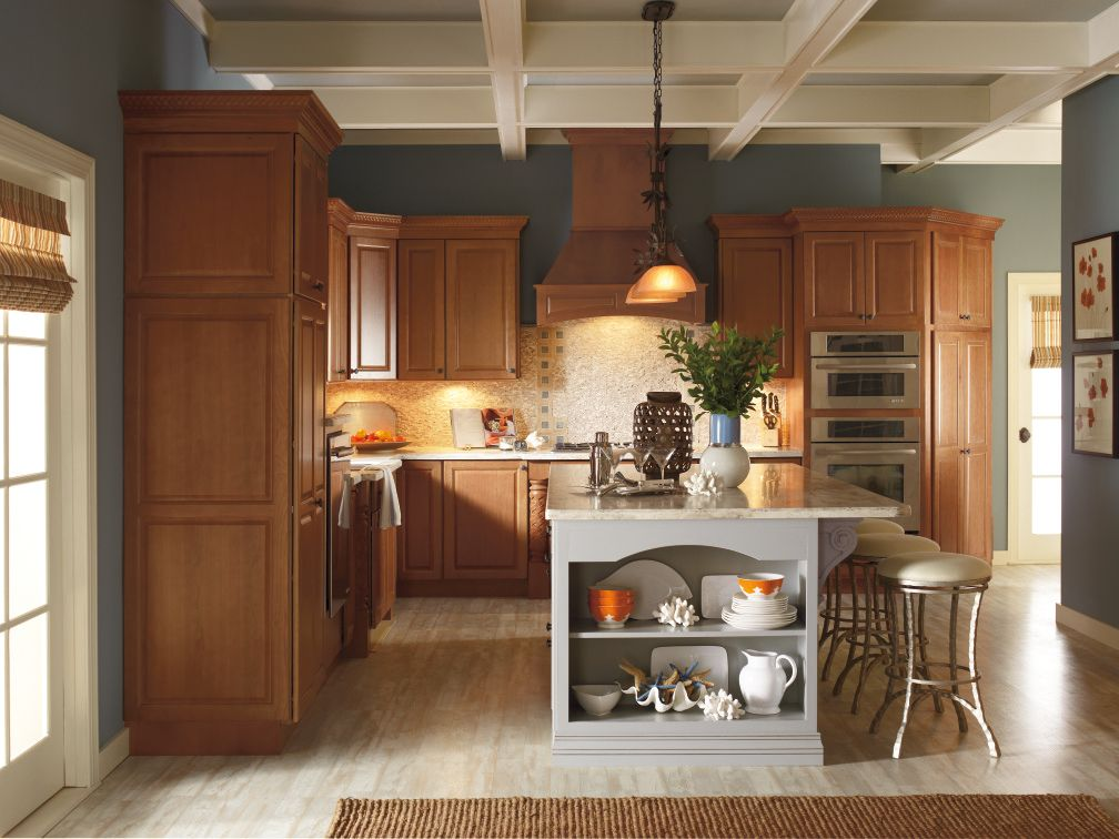 Diamond Cabinets pairs contrasting cabinet finishes together ...