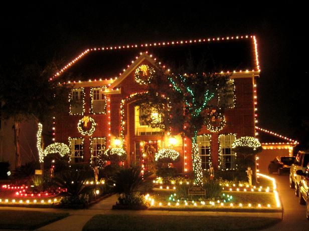 Stunning Outdoor Christmas Displays Decorating Home Garden Television With Images Christmas Light Displays Outdoor Christmas Lights Christmas Display