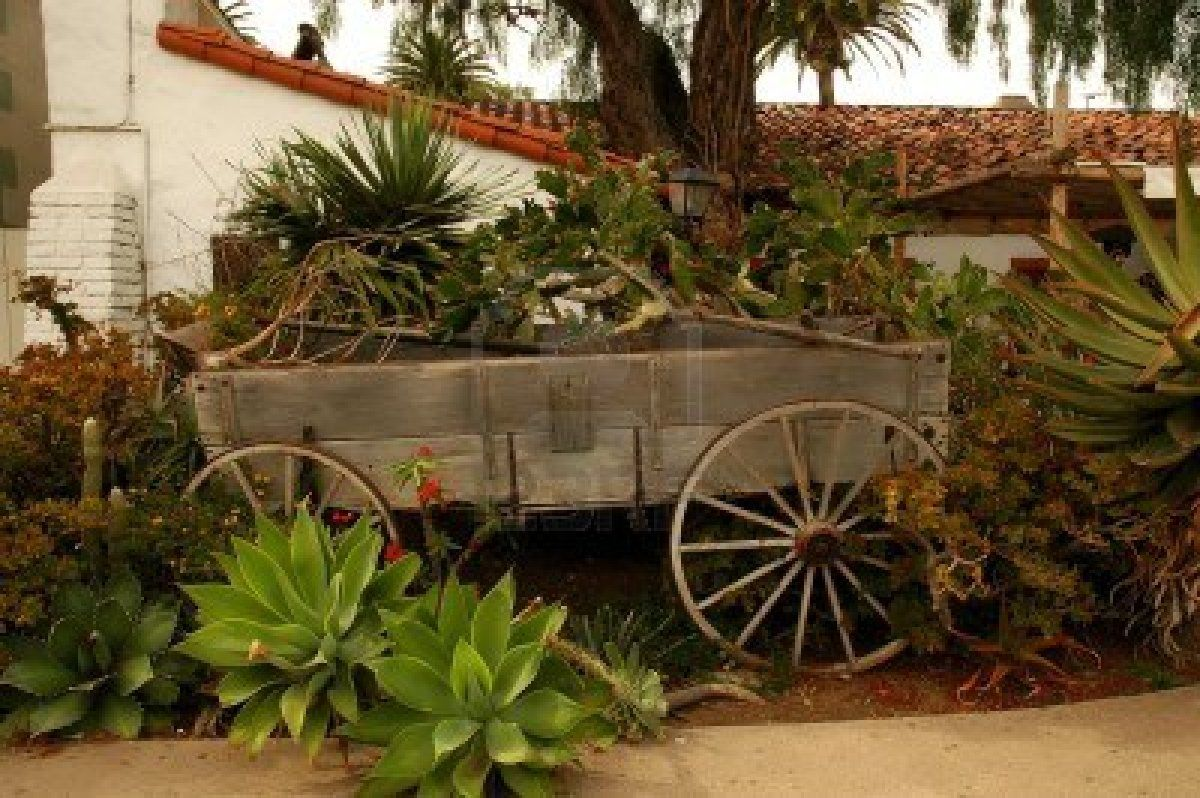 Wooden Wagon Garden Bed   Wagons   Pinterest   Gardens and Flowers