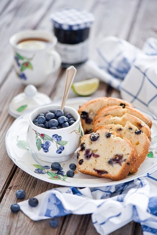 Blueberry loaf cake and tea