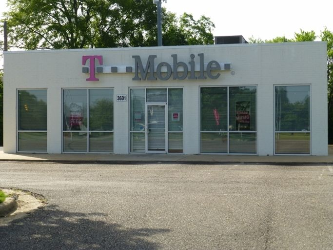 Free Standing T Mobile Store Google Search Mobile Store Outdoor Decor Outdoor