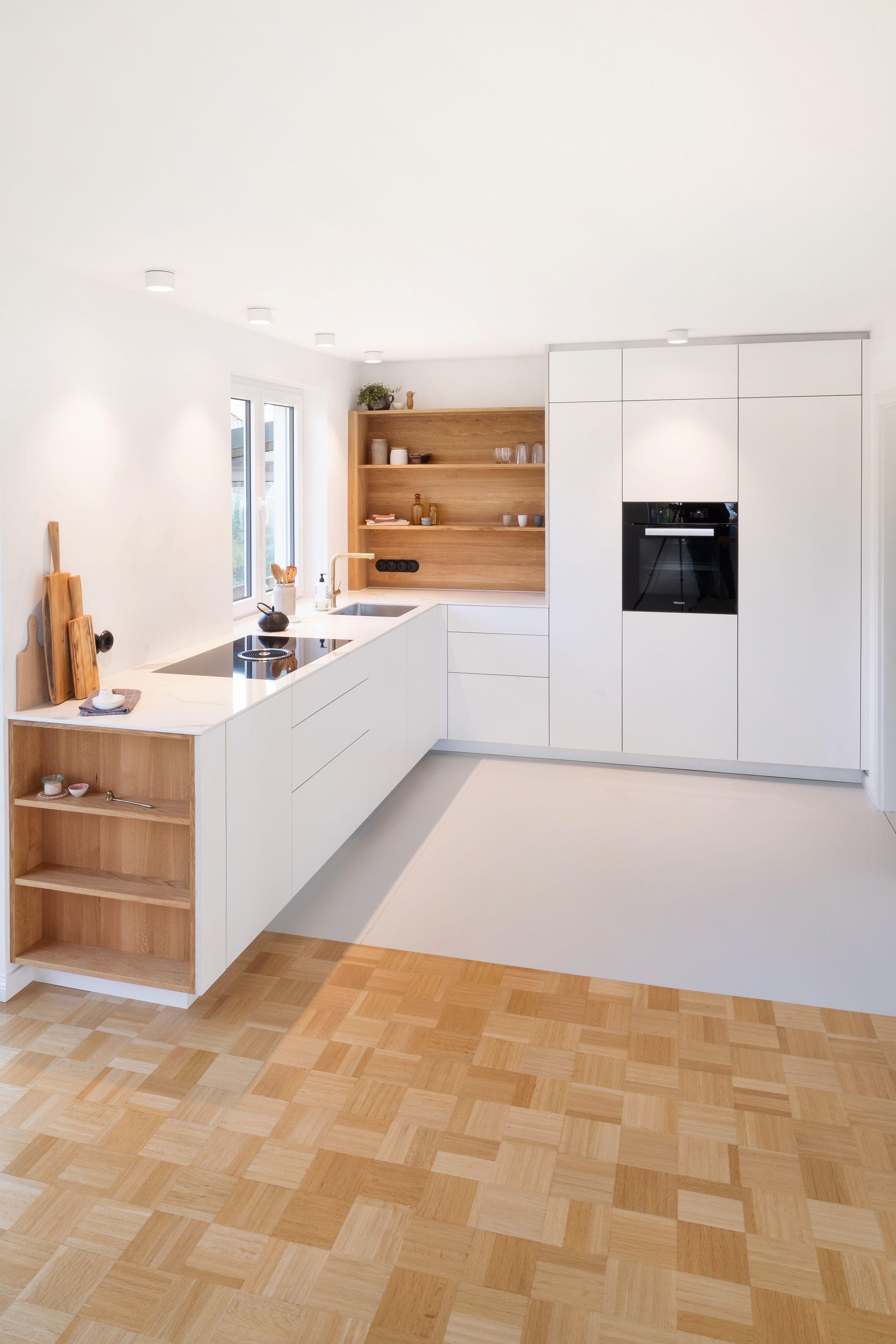Schreinerküche  Grifflos  Deckenhoch  Design  Modernes Wohnen