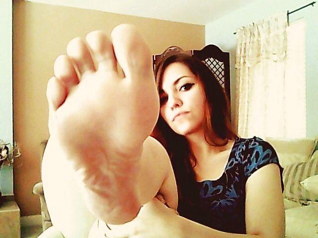 Amature teen feet pics