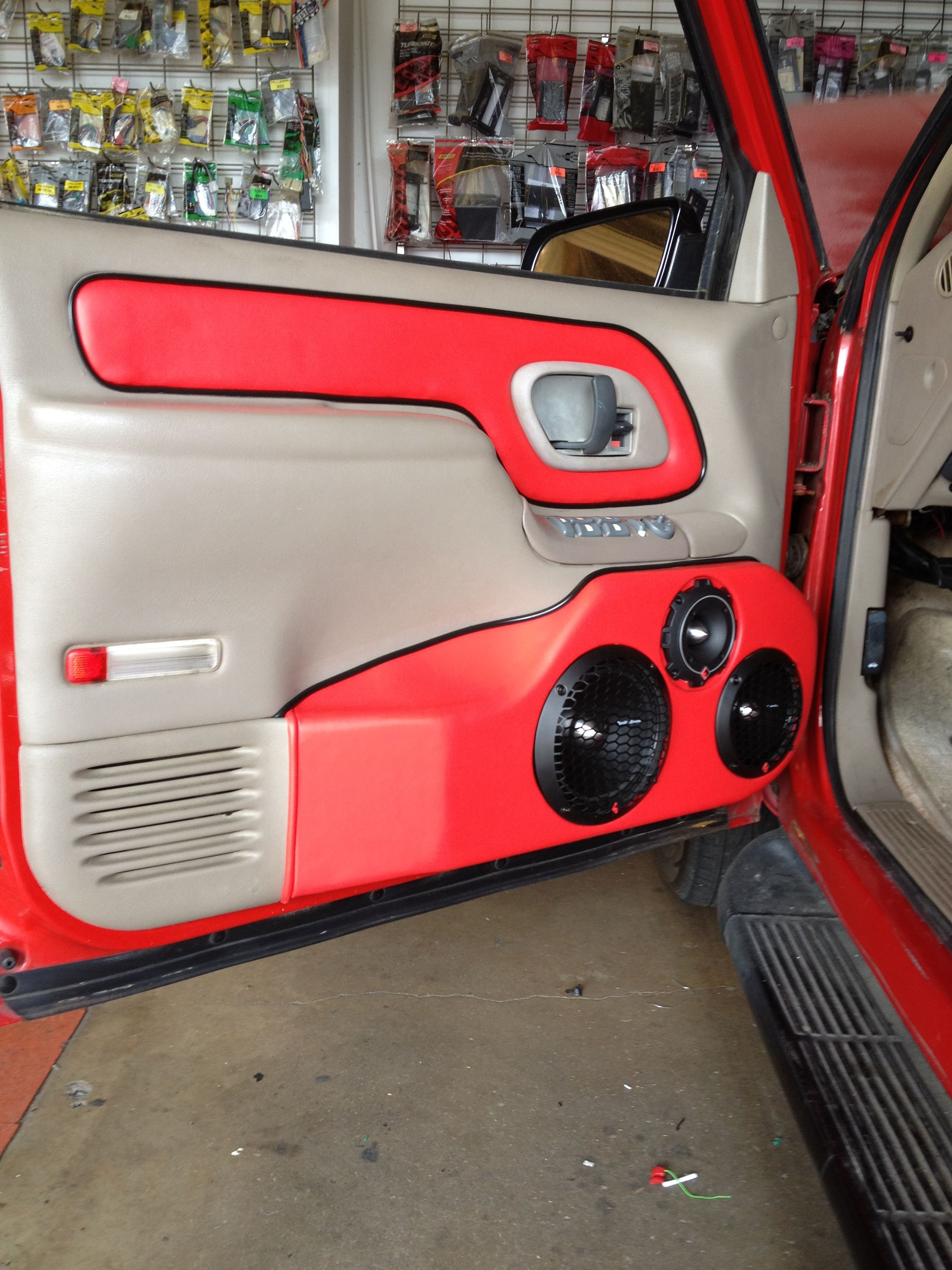 Custom Door Panels In Tahoe Custom Car Audio Custom Car Interior Custom Chevy Trucks
