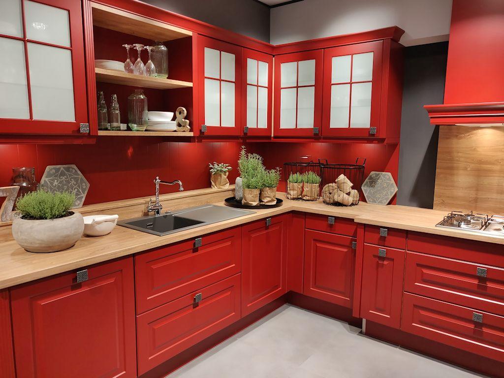 Landhausküche in rot von Impuls. Interessant finde ich die ...
