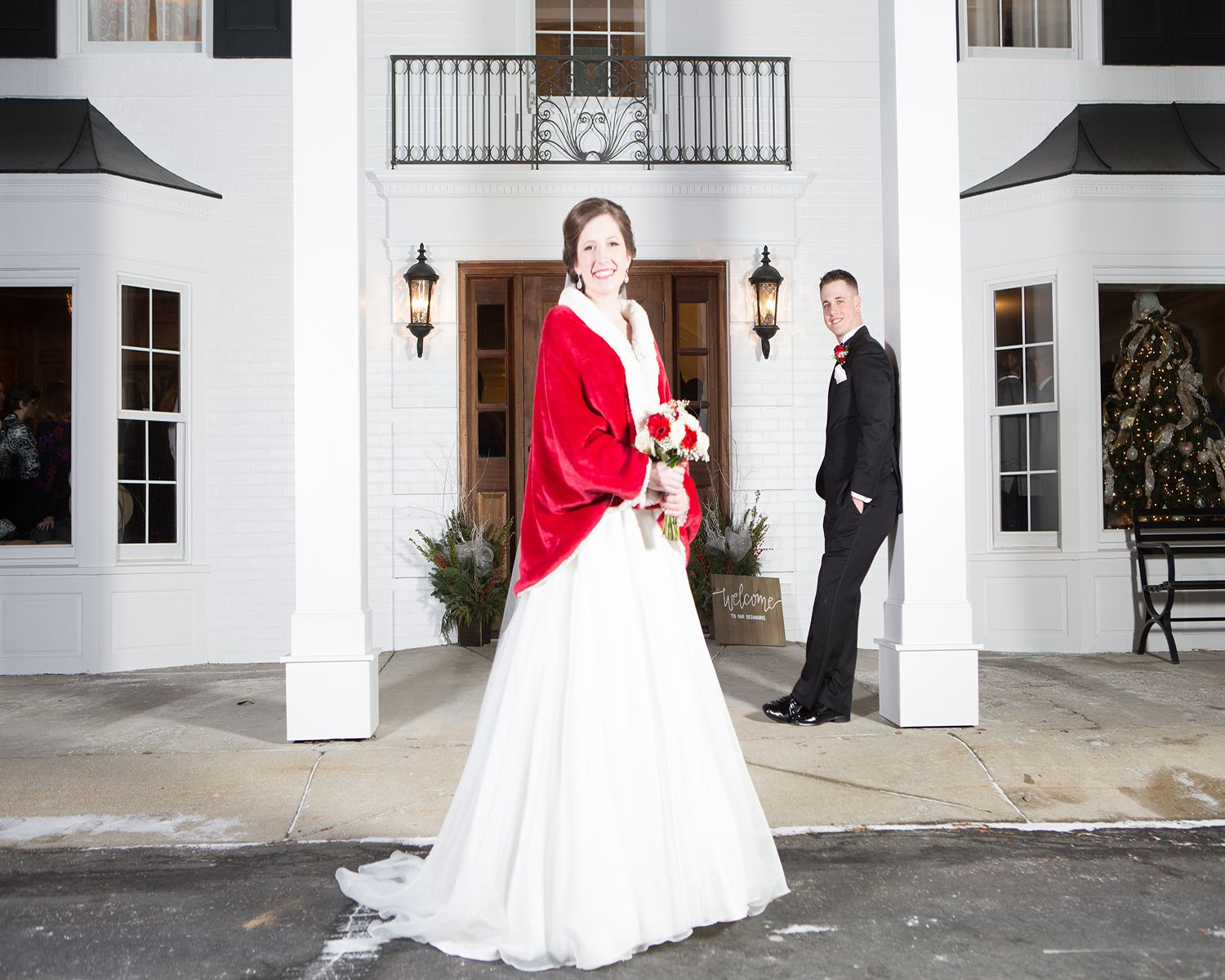 Tori\'s Winter Wedding in December. Black Iris Estate Wedding and ...