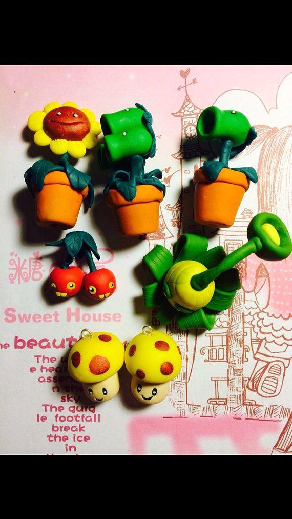 Série des 7 pièces déco pendentif plants vs zombies en par Lomimie, €13.50