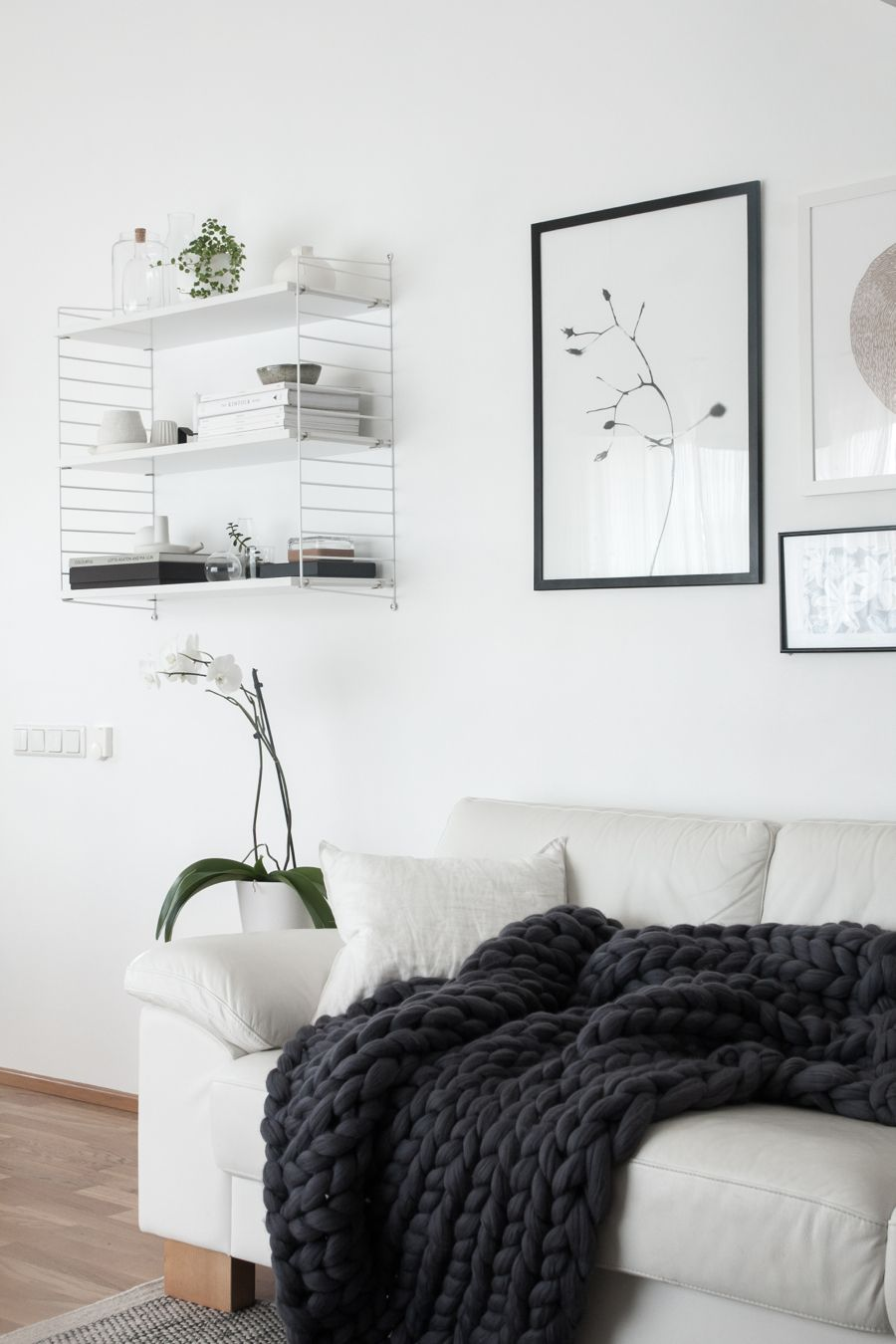 Scandinavian living room. Ohhio super chunky knit blanket.   Sponsored by Dunkin' Donuts #DunkinAtHome #BakerySeries #ad