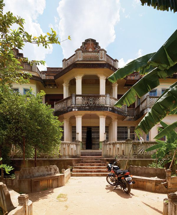 India's Lost Party Mansions