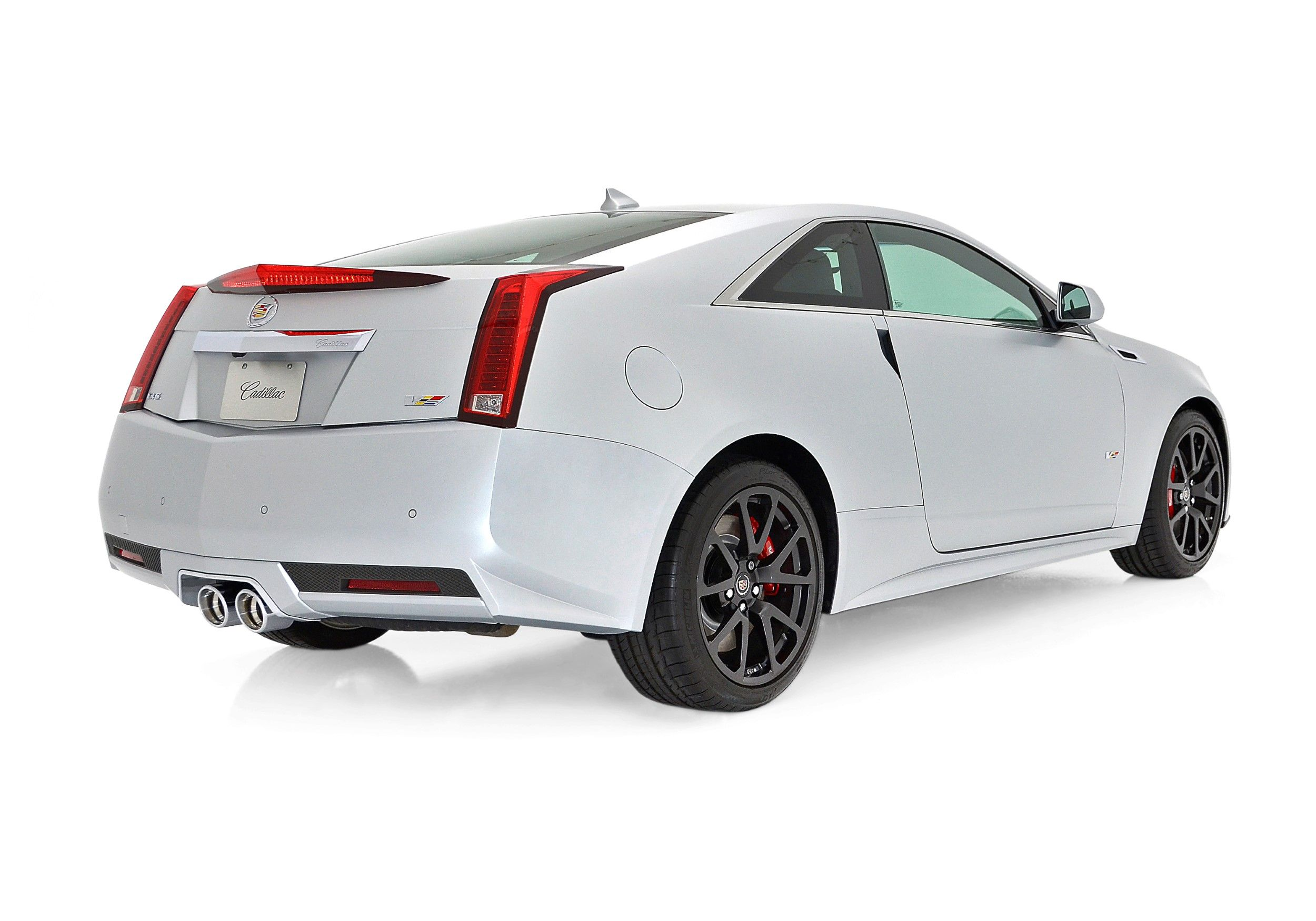 The cadillac cts v coupe debuted at the 2010 north american international auto show in detroit and went into production in the summer of 2010 as a 2011