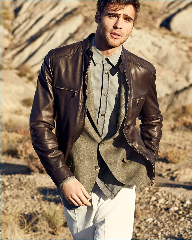 George Alsford Models Brunello Cucinelli Looks For Neiman Marcus Mens Outfits George Alsford Western Denim Shirt [ 1000 x 800 Pixel ]