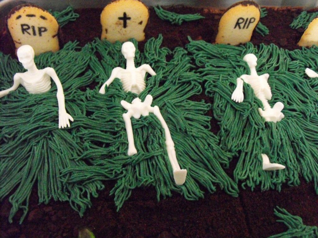 others halloween outdoor decorating ideas halloween graveyard skull cake pictures ideas