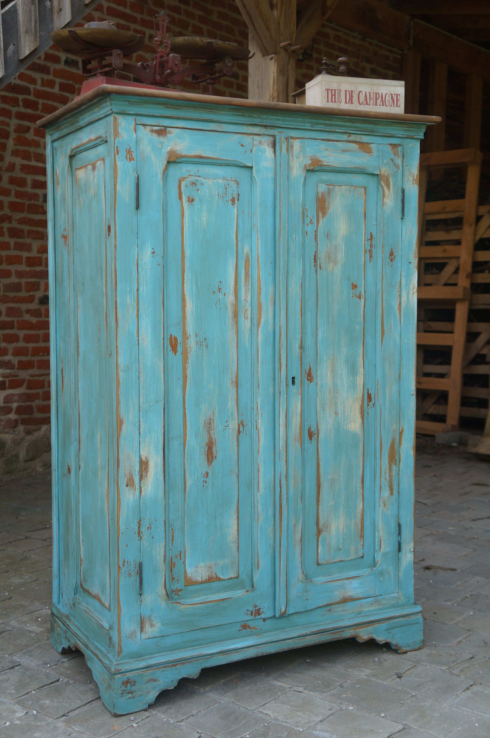 armoire parisienne patin e turquoise vieilli style. Black Bedroom Furniture Sets. Home Design Ideas