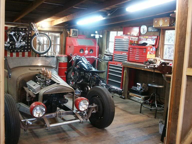 Pas tr s grand mais id al pour cette traction moto for Amenagement garage moto