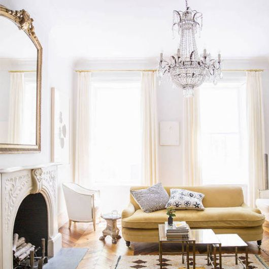 Gorgeous natural lighting; love the estate mirror paired with the chandelier #interiors #chic