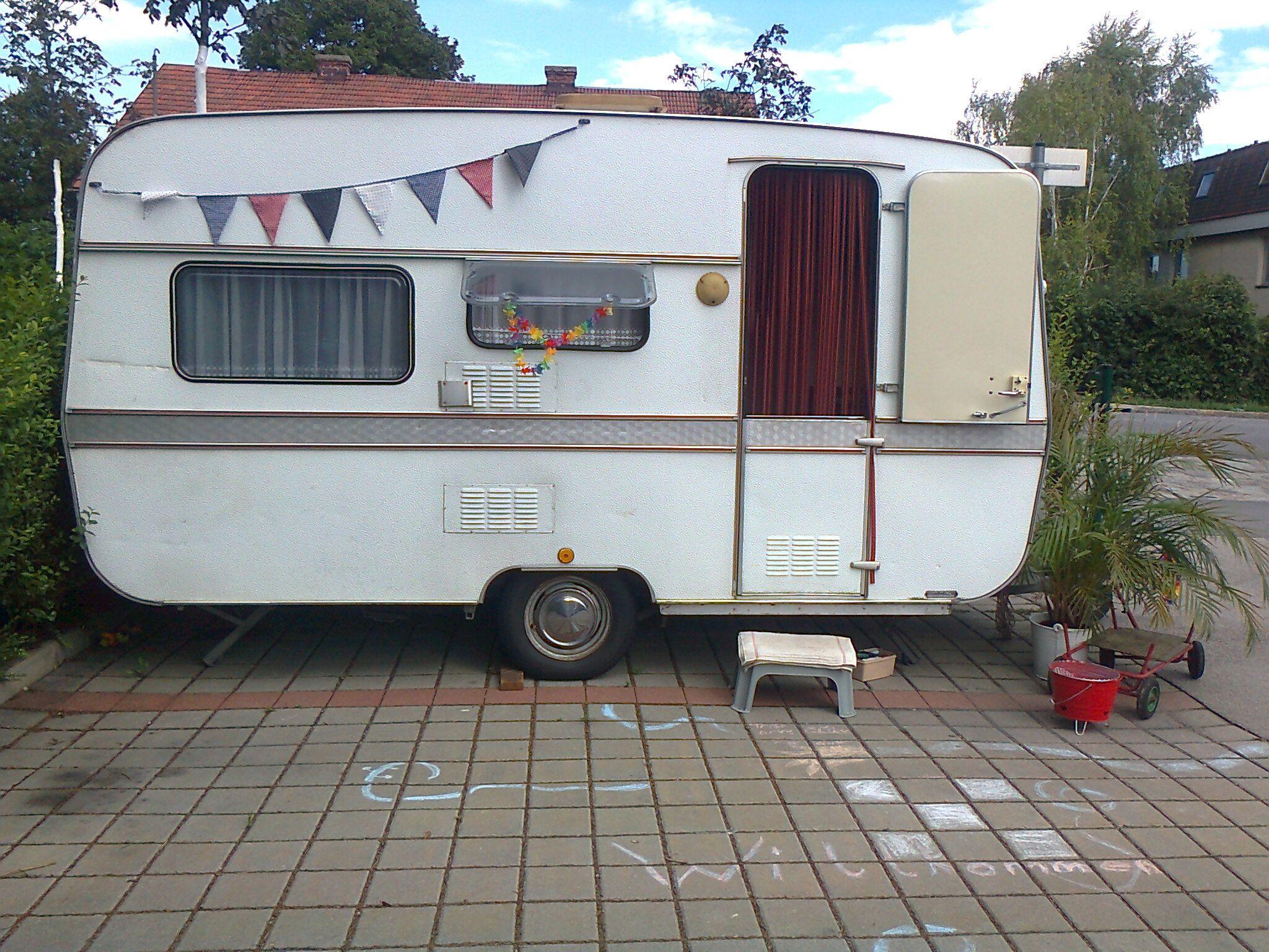 Mein Wohnwagenprojekt: Das ist Vinnie. Baujahr 1975, bestens erhalten und dabei, eine Vintage-Schönheit zu werden.