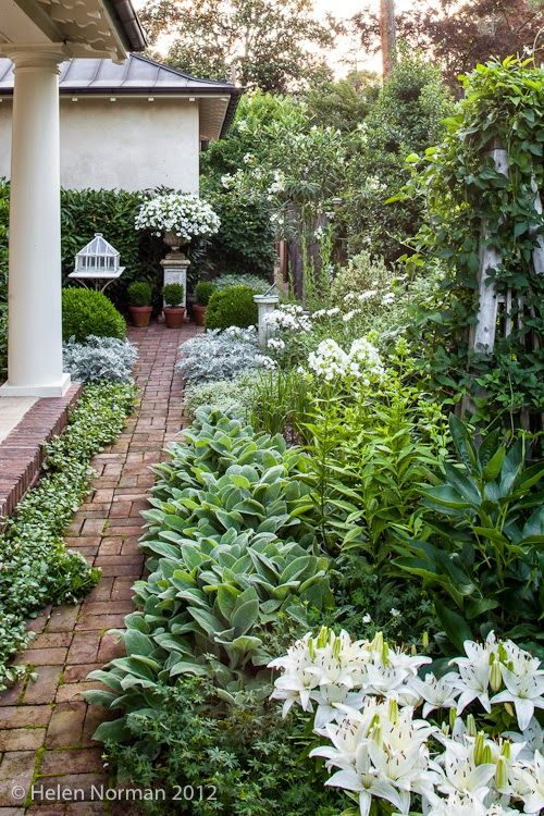 White Garden spectacular... check out toneontoneantiques.blogspot.com