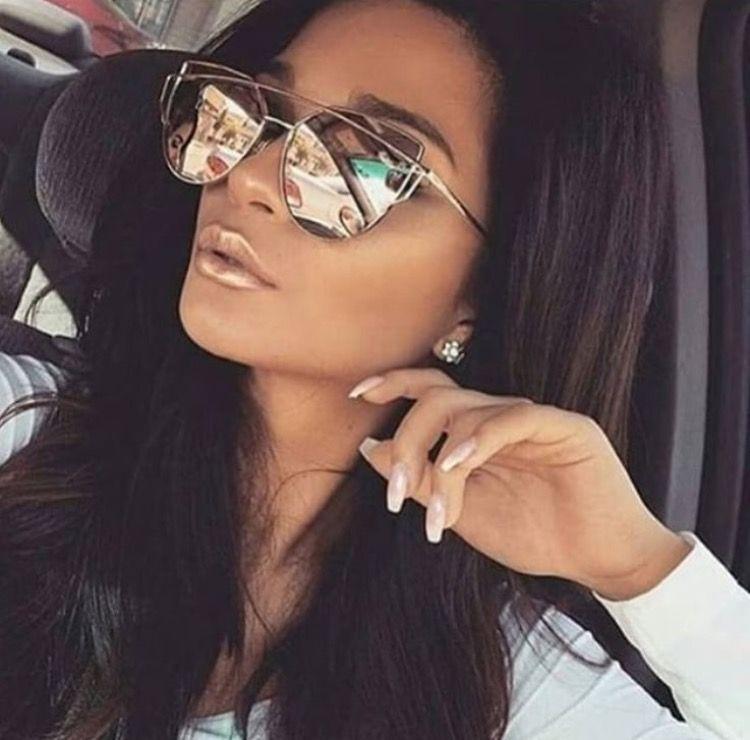 Cabelo Preto, Drop Dead Gorgeous, Mulheres Lindas, Espelhos De Ouro,  Maquiagem De Meninas, Maquiagem Perfeita, Óculos De Sol Espelhados, Óculos,  Maquiagem a7683e52de8d
