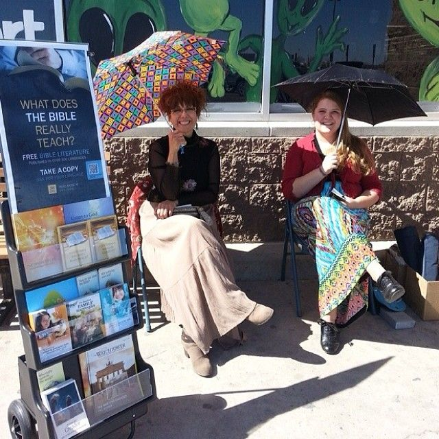 Public witnessing of God's Kingdom in Roswell, New Mexico  More @ JW